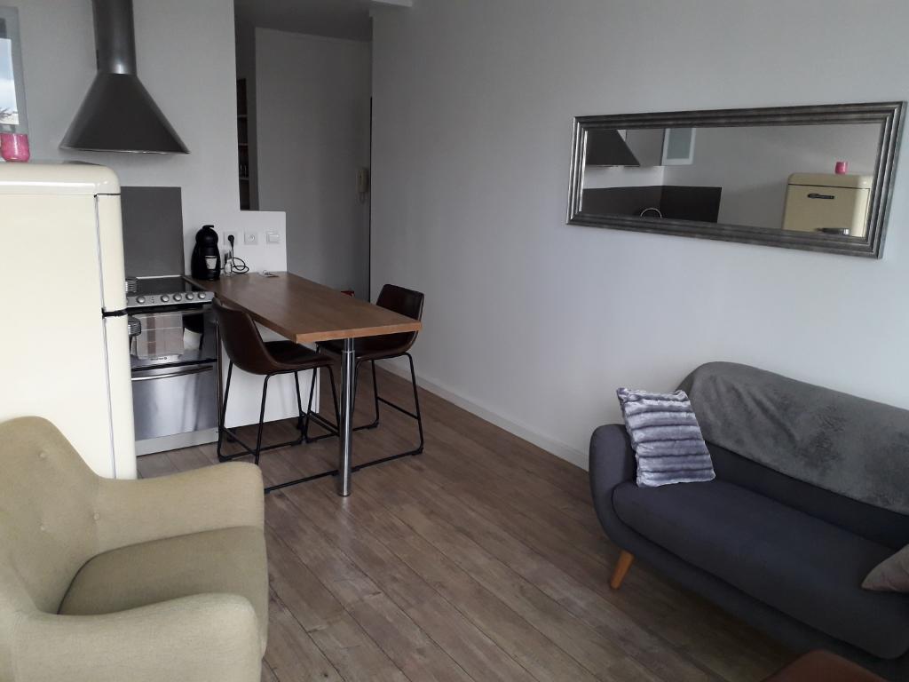 Appartement  meublé Fontenay Le Fleury 2 pièce(s) 28 m2