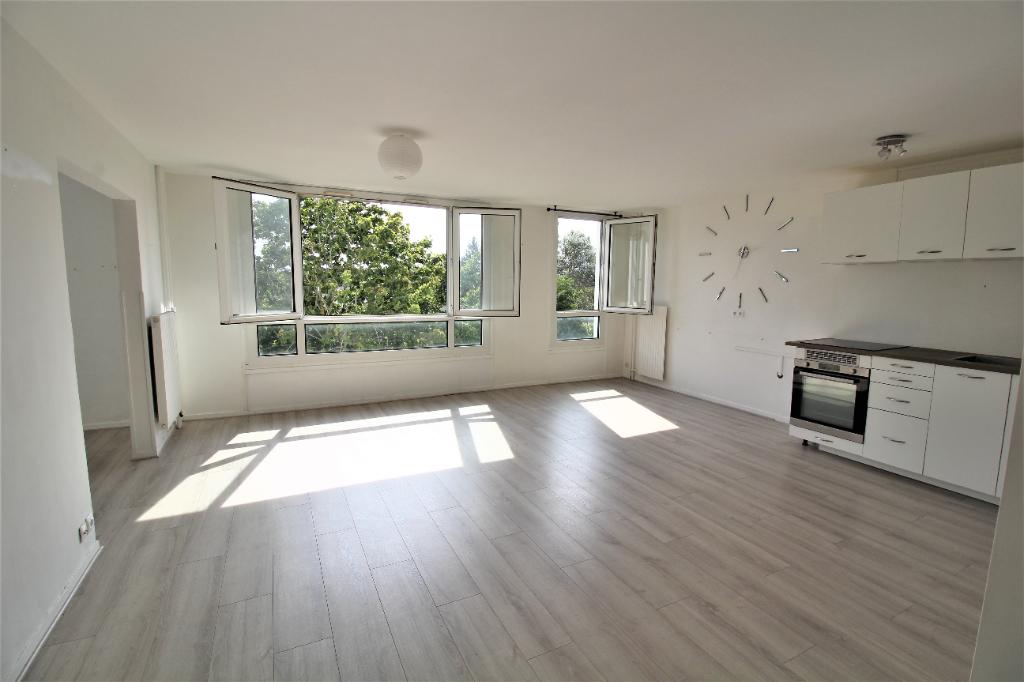 Appartement Guyancourt 5 pièce(s) 97 m2